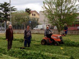 Latina Scalo - pro Loco - taglio dell'erba