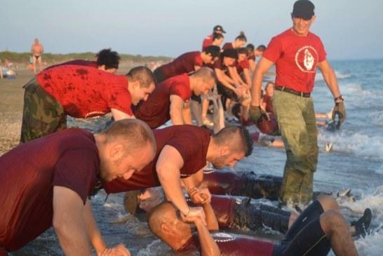 Un allenamento estremo in stile militare sulle spiagge di Latina