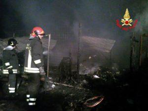 capannone-incendio-aprilia