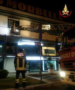 incendio-centro-commerciale-morbella