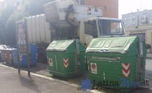 camion-latina-ambiente-rifiuti-raccolta-cassonetti-2016-3