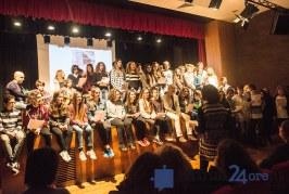 FOTO VIDEO Il sindaco Coletta canta insieme ai ragazzi del Viaggio della Memoria