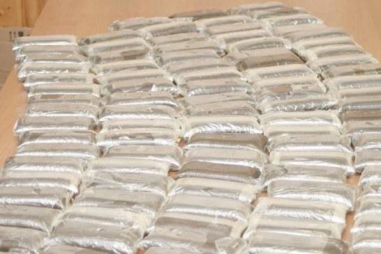 Aprilia, 190 kg di droga nascosti nel tir in arrivo dalla Spagna: 6 arresti