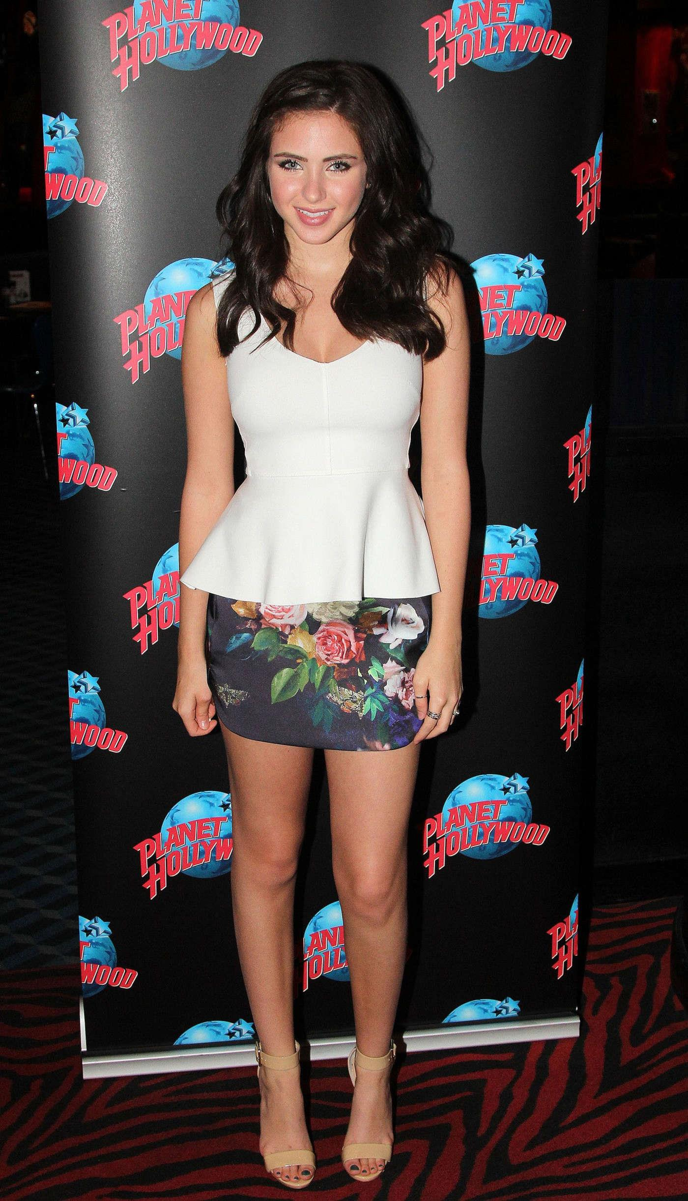 Cute Baby Feet Wallpaper Ryan Newman Planet Hollywood And Buca Di Beppo 12