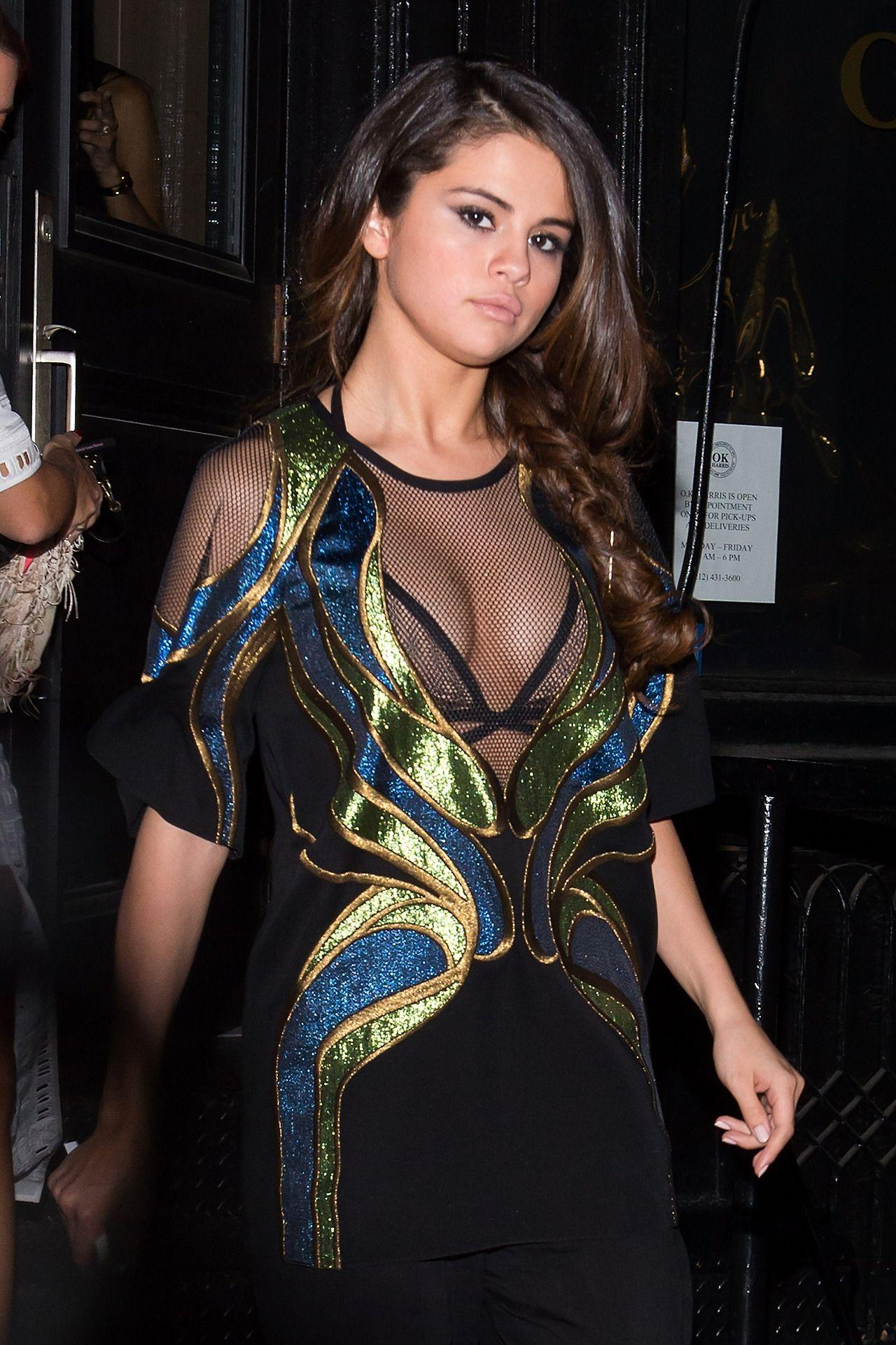 Best Gujarati Quotes Wallpaper Selena Gomez Out In New York City