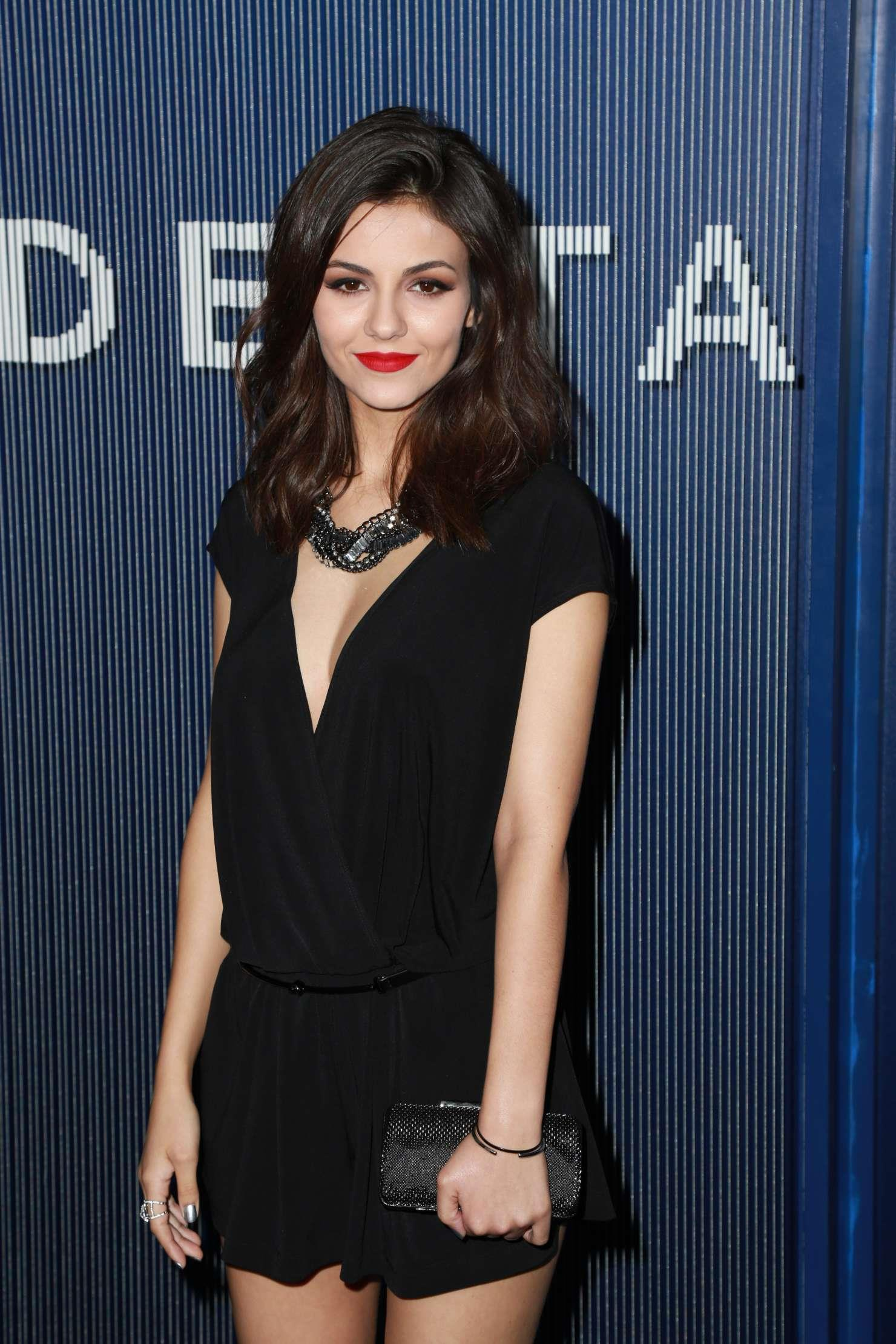 Wallpaper Quotes Hindi Victoria Justice In Grammy Awards 2015