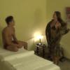 Así es cómo este chico recibió el masaje menos sexy de toda su vida