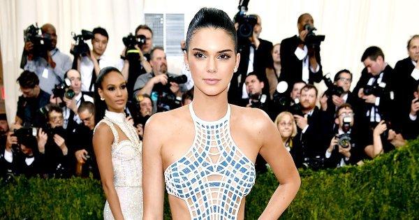 Kendall Jenner se roba miradas al lucir sensual vestido en la Gala del Met
