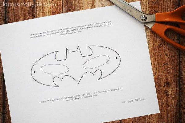 How To Make a Batman Mask - Laura\u0027s Crafty Life