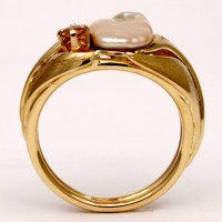 Pearl, Malaya Garnet Ring in 18KY