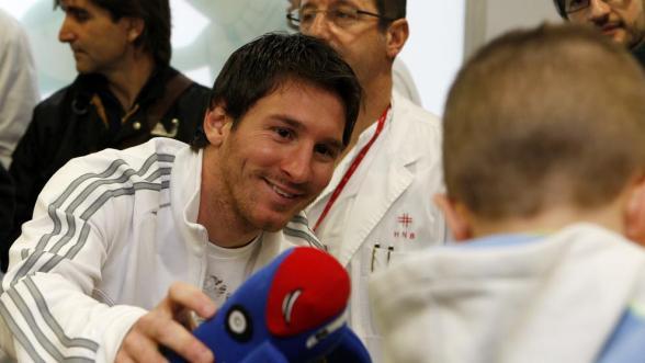 Messi paga el sueldo de una doctora por la lucha contra el cáncer infantil