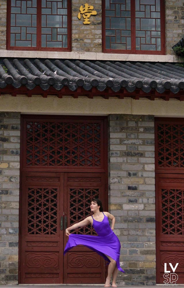 Dance Photography - Lessons learned on the set of a music video. What you should know before you begin photographing dancers | LA VIE SANS PEUR Anxious Girl, Fearless Life. Travel and Lifestyle Blog and Vlog. American in China. | Nanjing dancer dance dancing photograph photo photography photographing take pictures of what to know need to know learn lessons blogger vlogger music video university dance company outfit changes burst mode shoot shooting set