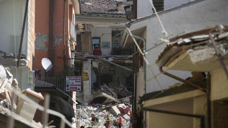 Terremoto, paesi fantasma, oltre 250 vittime
