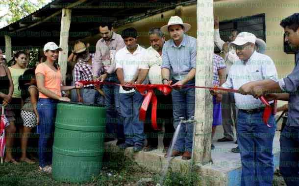 Inauguran rehabilitación del sistema del agua potable en la Laja