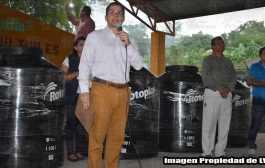 Más de 190 familias se benefician con la entrega de Tinacos Rotoplas en San Pedro Coyutla