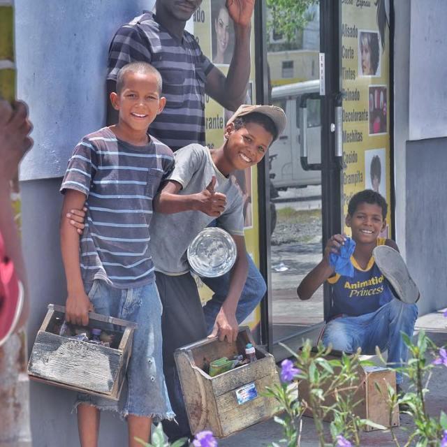 Les petits cireurs de chaussures oovatu republiquedominicaine santodomimgo child travelhellip