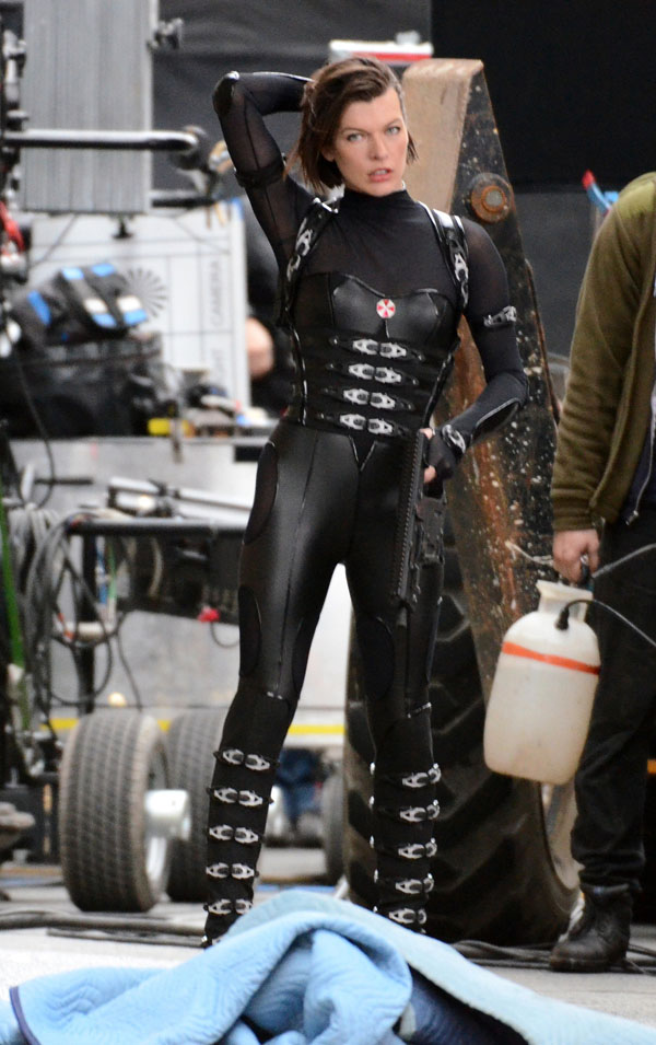 Lady Gaga Iphone 5 Wallpaper Milla Jovovich From Resident Evil Retribution Leather