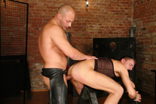foto05-bdsm-leather-sex