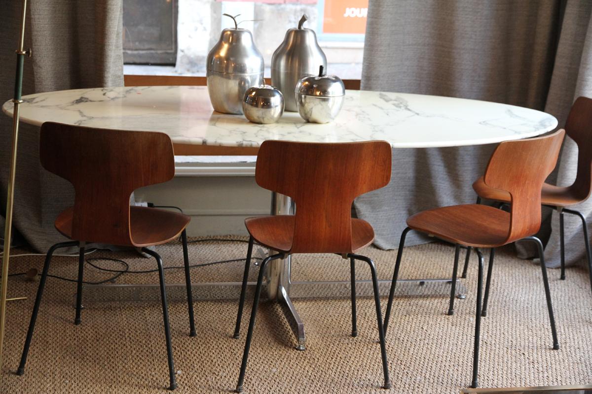 le design vintage de la galerie luce le buzz de rouen. Black Bedroom Furniture Sets. Home Design Ideas