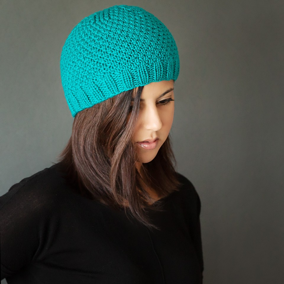 Knitting Pattern For Beanie : Leelee Knits   Blog Archive Free Modern Knit Beanie ...