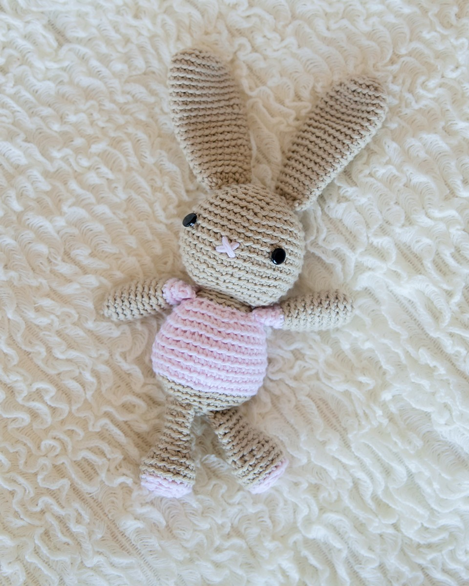 Free Crochet Patterns Of Bunnies : Leelee Knits Blog Archive Free Crochet Bunny Pattern ...