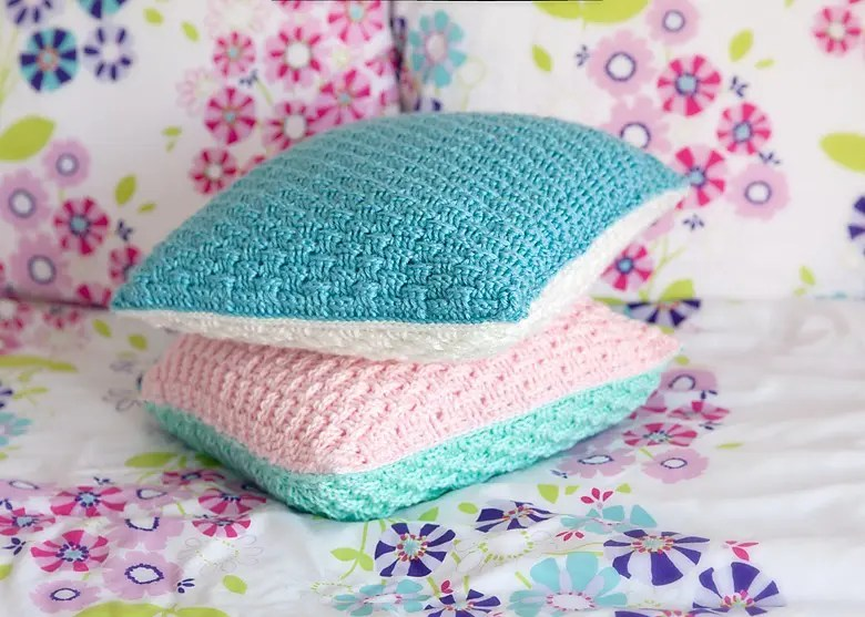 Free Crochet Pillow Patterns For Beginners : Leelee Knits Blog Archive Free Pillow Cover Crochet ...