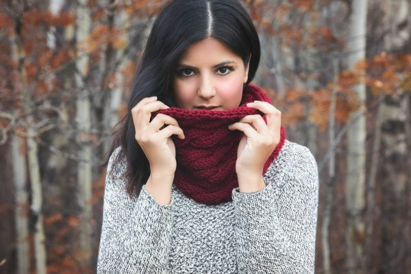 Chunky Cabled Cowl – Free Knitting Pattern
