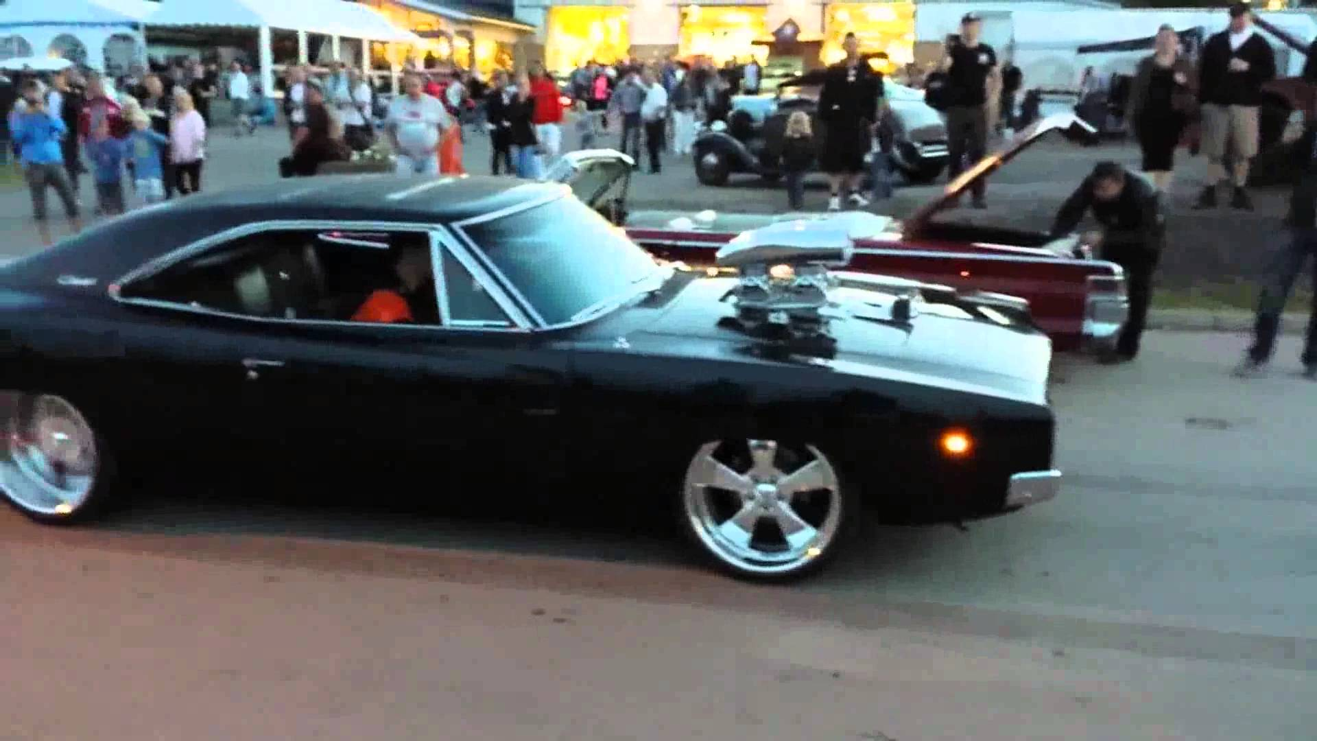 Exotic Cars Wallpaper Pack This Killer Blown 1968 Dodge Charger Performs An Epic Burnout