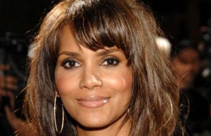 Halle Berry quitte un salon de massage thaïlandais