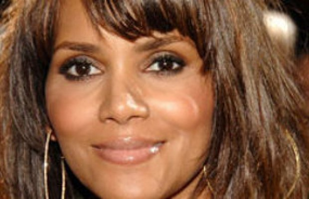 Halle Berry- De retour au casting de New Year's Eve