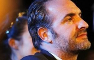 Jean Dujardin ne regarde Alexandra Lamy