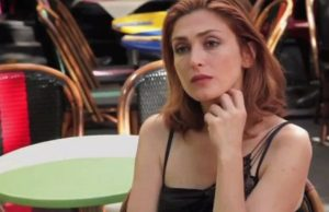 Julie Gayet ridiculisée dans The Time