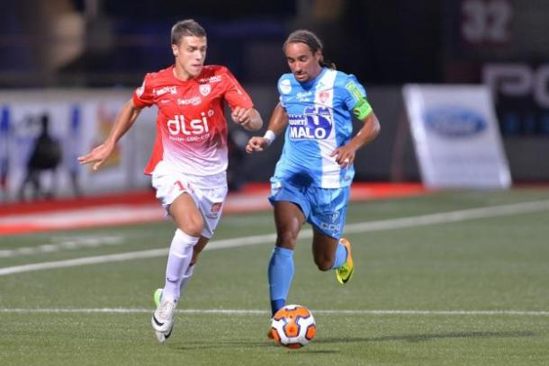 %name Des clubs de foot de Ligue 2 Française victimes d'une tentative d'escroquerie des colons israéliens !