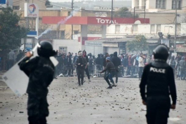 heurts_police_tunisie