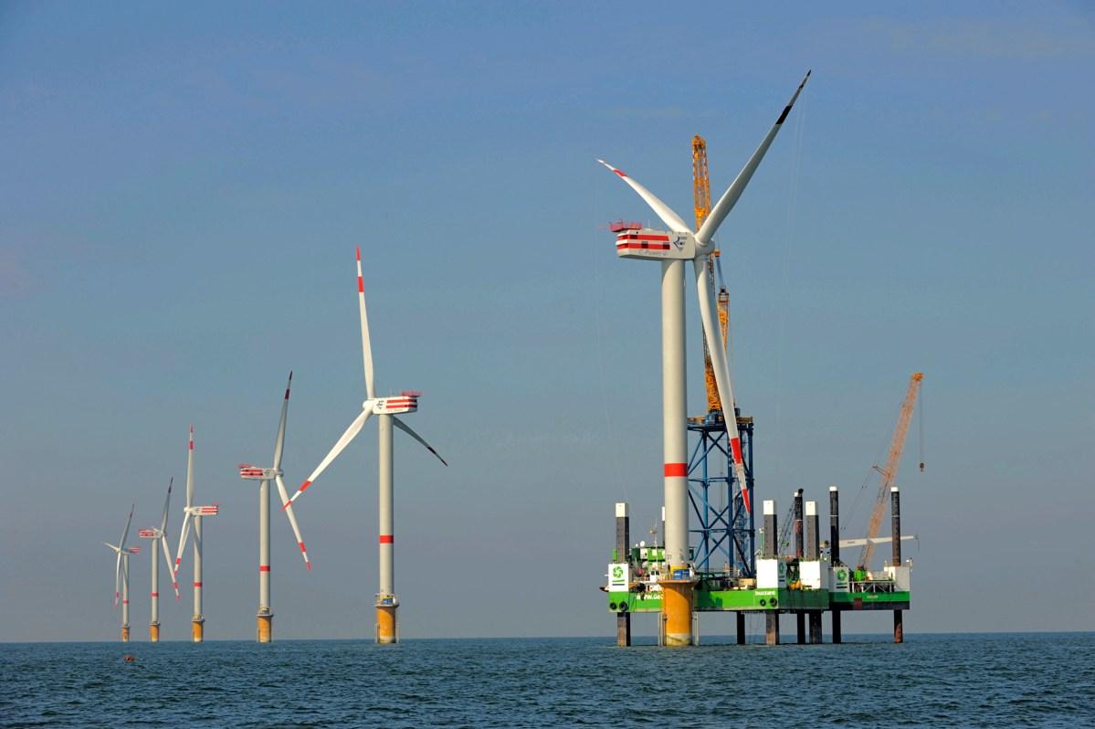Bientôt des éoliennes dans la baie de Fukushima ?