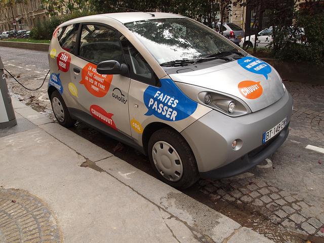 Lyon : plus de voitures électriques en location … et un nouveau tramway ?