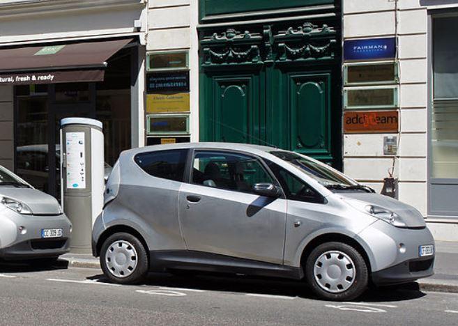 Voiture électrique : le réseau de bornes de recharge s'étoffe en Seine Aval