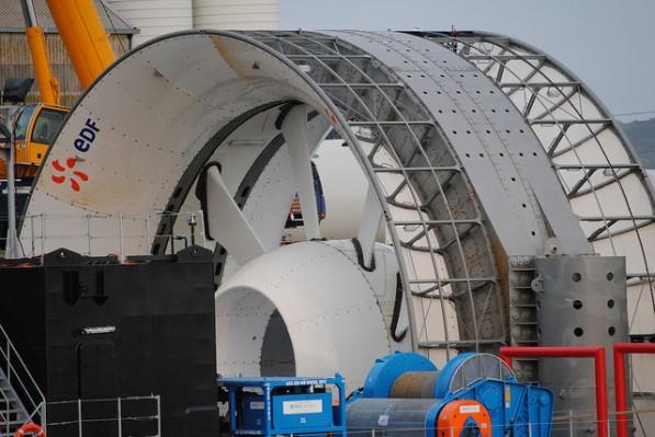 Paimpol-Bréhat : mise à l'eau de la première hydrolienne du projet d'EDF