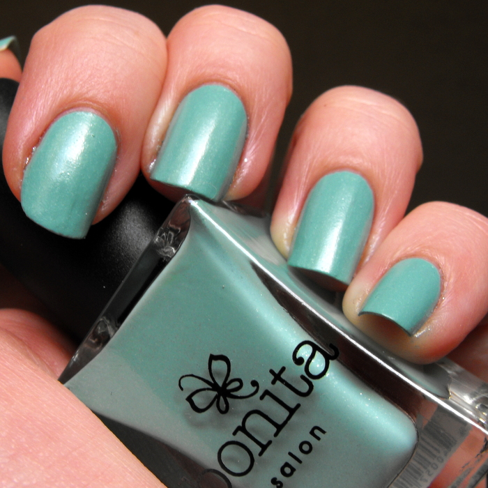 Bonita Salon - Dali's Memory with no top coat