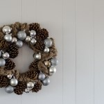 DIY Burlap Pinecones and Baubles Wreath
