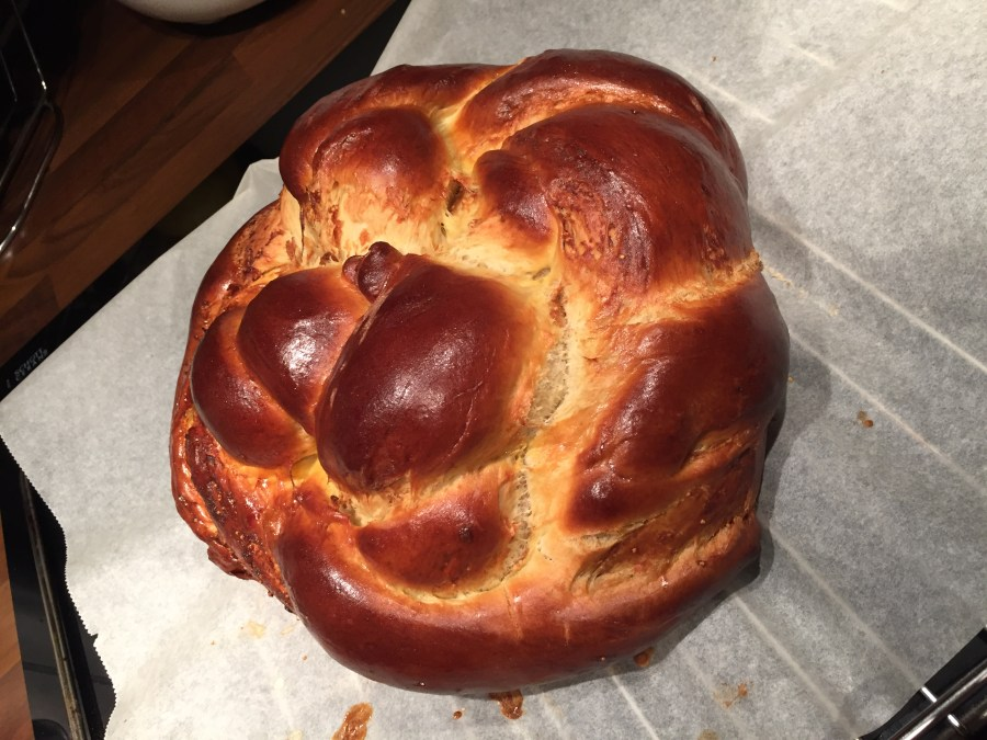 Challah aux pralines roses