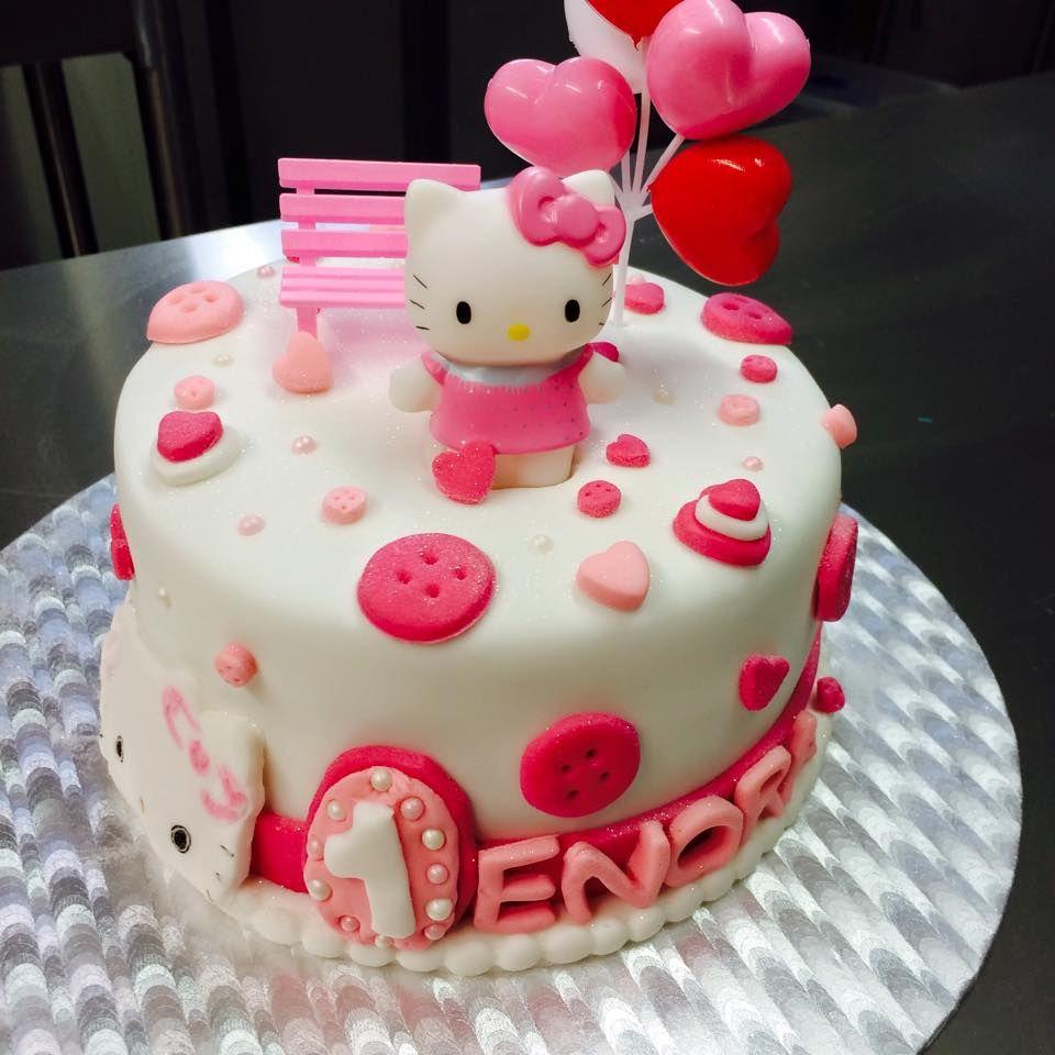 Gateau Hello Kitty Cake Design Pate A Sucre Les Delices De Mary