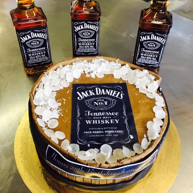 Gateau Whisky Jack Daniels Cake Design Pate A Sucre Les Delices