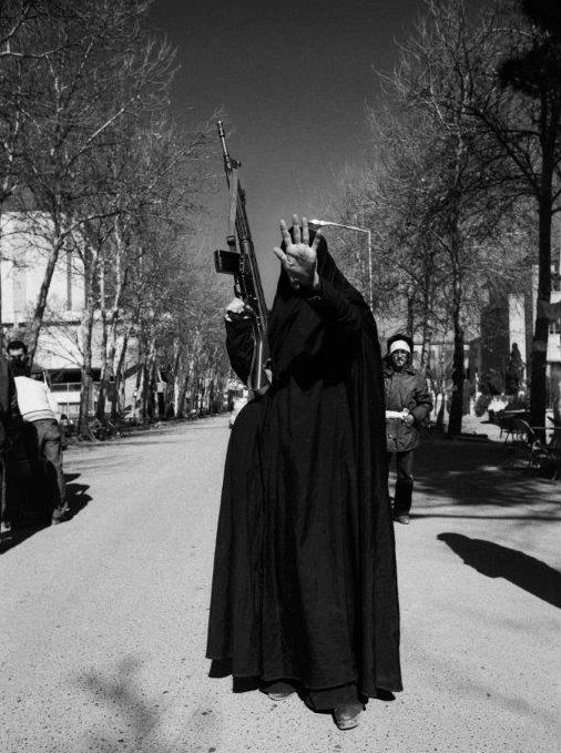 kavehkazemi_a_woman_in_black_chador