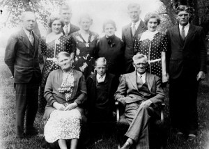 The Fisher family, with Maude and Mae at the rear.