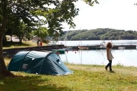 Aire naturelle de Camping aux Rives du Lac du Laouzas pour vos vacances dans le Tarn, Midi-Pyrénées