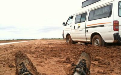 perdu en van bloqué australie désert boue