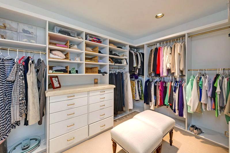 Swoon Worthy Luxury Walk In Closets
