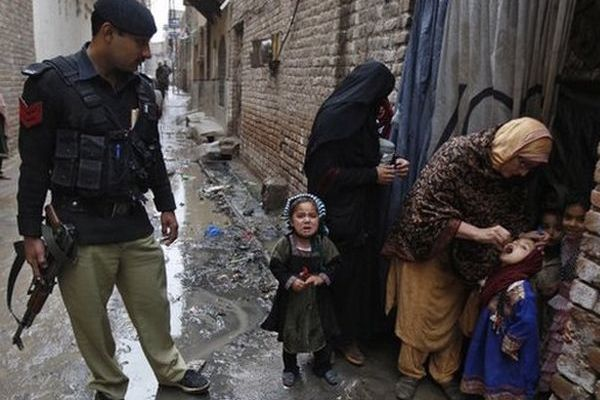 470 Parents jailed in Pakistan for refusing polio vaccine