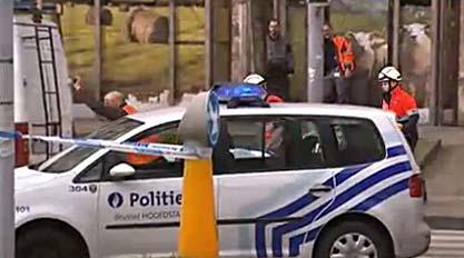 Bruxelles, fermata auto con bombole gas